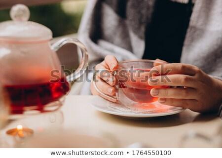 Stockfoto: Vrouw · beker · zwarte · thee · hand
