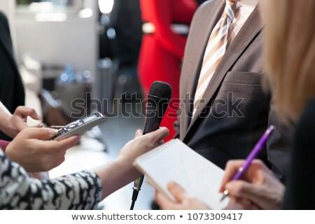 記者 インタビュー ビジネスマン クローズアップ 手 テレビ ストックフォト © AndreyPopov