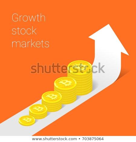 Gráfico de negocio hasta bitcoin signo oro flecha Foto stock © Oakozhan