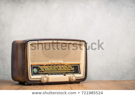 vintage · radio · appareil · isolé · blanche - photo stock © suljo