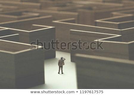 Perdido labirinto homem conceito dor de cabeça labirinto Foto stock © dacasdo