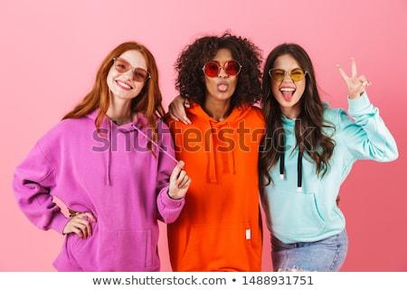 Foto stock: Três · adolescentes · festa · olhos · tecnologia · amigos