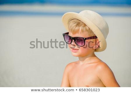 соломенной шляпе счастливым улыбается улыбка глазах Сток-фото © meinzahn