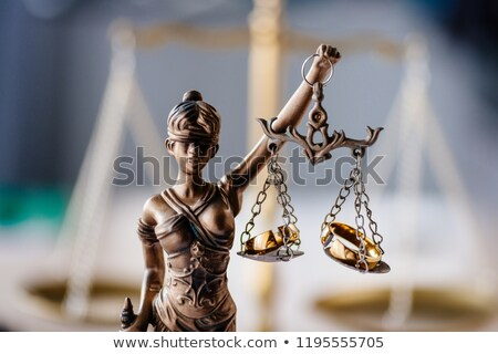 Echtscheiding hamer vrouw echtgenoot handen bureau Stockfoto © AndreyPopov