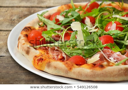 sabroso · italiano · pepperoni · pizza · restaurante · queso - foto stock © ozaiachin