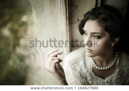 Divat portré gyönyörű nő gyöngyök feketefehér fotó Stock fotó © Victoria_Andreas