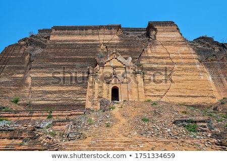 Pagoda ruinas terremoto río ladrillo Foto stock © smithore