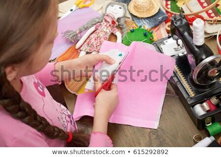 Dziecko dziewczyna lalek maszyny do szycia ilustracja kobiet Zdjęcia stock © lenm