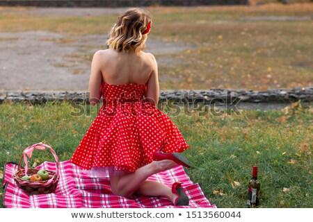 fille · couverture · souriant · herbe · portrait · parc - photo stock © IS2