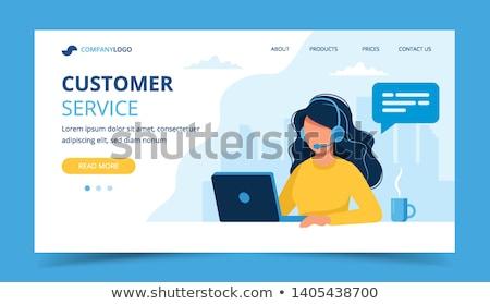 Call center kobieta piękna młoda kobieta pracy laptop Zdjęcia stock © tiKkraf69