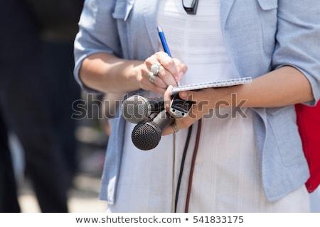 tv · levelezőtárs · fehér · mosoly · női · stúdió - stock fotó © galitskaya
