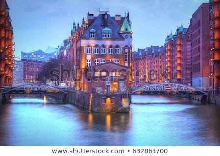 Oude hamburg Duitsland schemering water stad Stockfoto © elxeneize