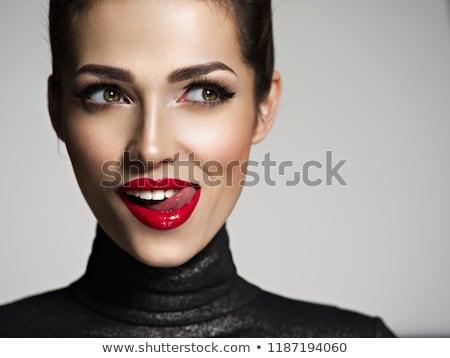 Stockfoto: Mode · portret · mooie · brunette · vrouw · rode · lippen