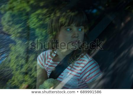 Tienermeisje vergadering teddybeer Maakt een reservekopie zitting auto Stockfoto © wavebreak_media