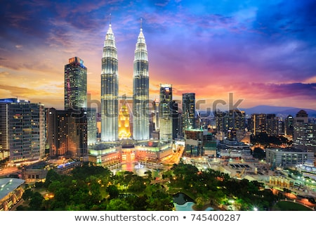 Kuala Lumpur görmek ikiz kule gün batımı yol Stok fotoğraf © joyr