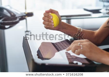 mulher · de · negócios · estresse · bola · mulher · pessoas · de · negócios - foto stock © bigjohn36