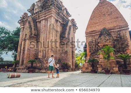 Vader zoon toeristen Vietnam asia Stockfoto © galitskaya