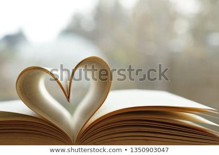 liefde · verhaal · handen · paar · harten - stockfoto © Kor
