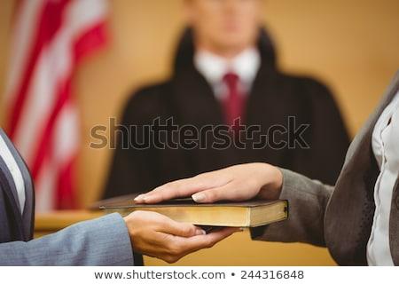 Tanú Biblia igazság bíróság szoba nő Stock fotó © wavebreak_media
