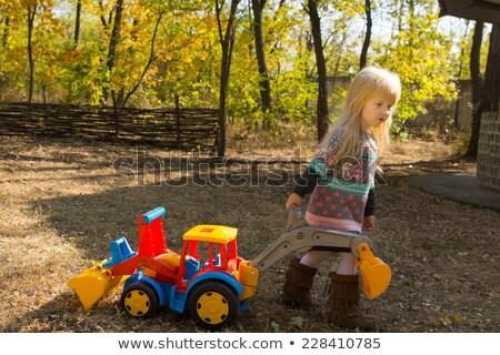 演奏 · 幼児 · 先頭 · 表示 · 3 ·  · 女の子 - ストックフォト © phbcz