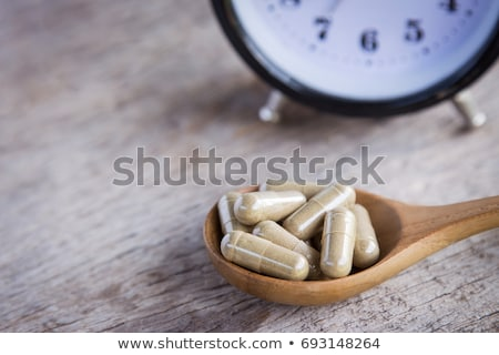 目覚まし時計 錠剤 薬 時間 背景 青 ストックフォト © Klinker