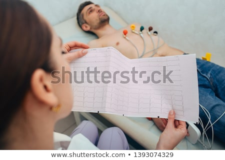 elektrocardiogram · hart · analyse · grafiek · papier - stockfoto © fer737ng