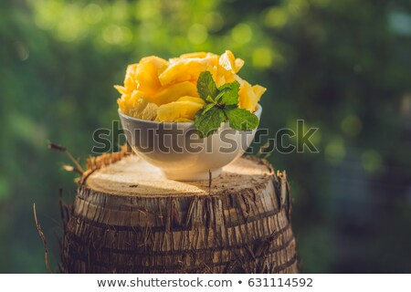 friss · szelet · ananász · fából · készült · gyümölcs · zöld - stock fotó © galitskaya
