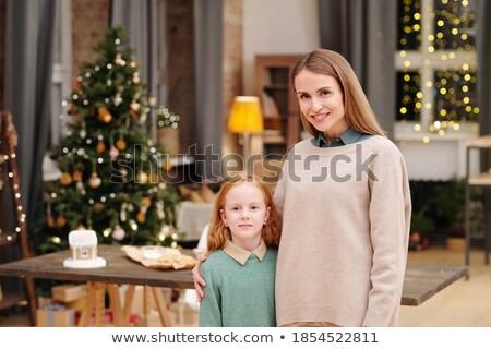 Csinos fiatal szőke nő női mosoly fogakkal áll Stock fotó © pressmaster