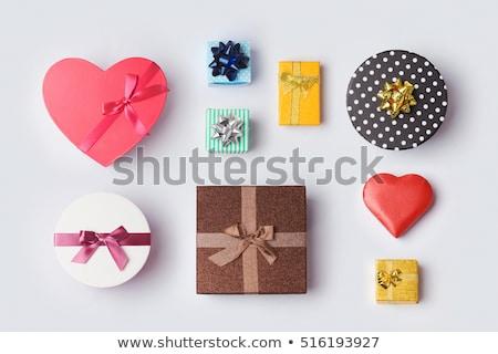 Coeur coffret cadeau rouge amoureux Photo stock © tamasvargyasi