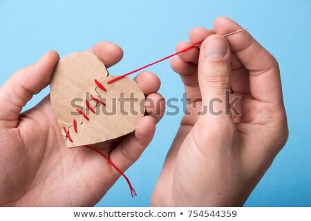 Twee handen hart naalden crisis relaties Stockfoto © fotorobs