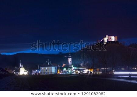 Ver Áustria aldeia castelo colina casa Foto stock © borisb17