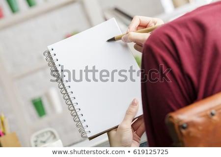 Secrétaire l'ordre du jour femme papier sourire Photo stock © photography33