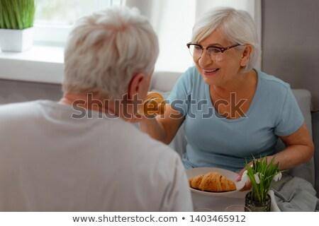 Charmant vrouw eten granen slaapkamer meisje Stockfoto © wavebreak_media