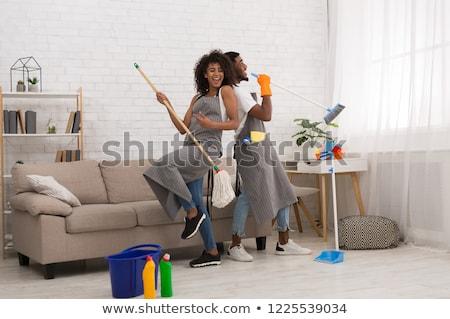 Coppia pulizie di primavera casa mano lavoro home Foto d'archivio © photography33