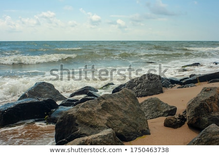grande · ondas · costa · mar · espuma · praia - foto stock © jrstock