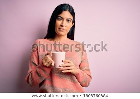 portret · poważny · młoda · dziewczyna · kamery · młodych · ludzi - zdjęcia stock © dash
