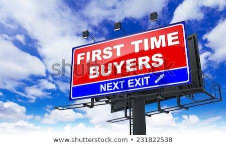 Első idő vásárlók piros óriásplakát égbolt Stock fotó © tashatuvango