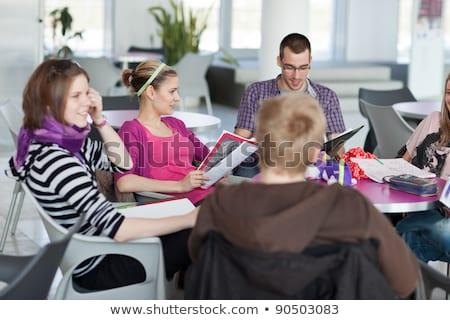 Grupo estudiantes freno notas Foto stock © lightpoet