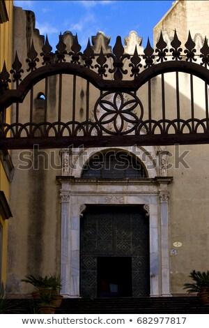 rosolare · cancello · Napoli · chiesa · legno - foto d'archivio © lkpro
