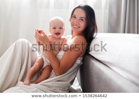 gyermek · anya · égbolt · család · fű · boldog - stock fotó © Paha_L