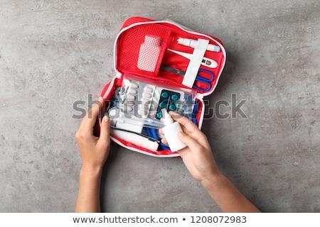 Pierwsza pomoc stetoskop czerwony lekarzy worek Zdjęcia stock © pakete