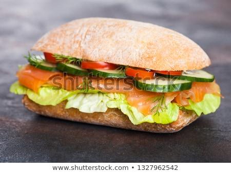 Fraîches saine saumon sandwich laitue concombre Photo stock © DenisMArt