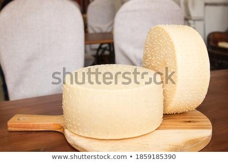 Due camembert tavola formaggio testa Foto d'archivio © Alex9500