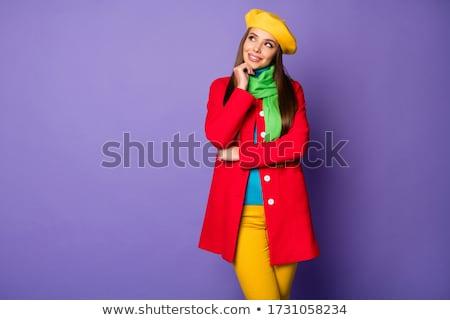 Retrato curioso mulher jovem boina em pé Foto stock © deandrobot
