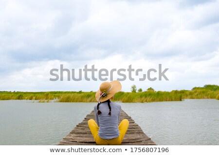 Giovani donne vacanze spiaggia acqua ragazza bellezza Foto d'archivio © EdelPhoto