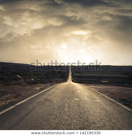mal · asfalto · carretera · verde · campo · cielo · azul - foto stock © filmstroem