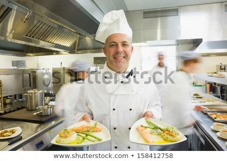 szakács · mutat · tányér · lazac · vacsora · konyha - stock fotó © wavebreak_media