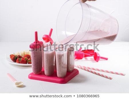 Préparation maison fraise alimentaire crème glacée vertical Photo stock © MKucova