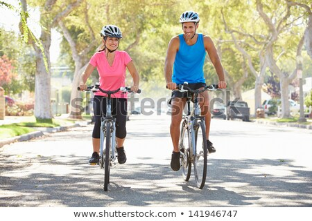 couple · vélo · banlieue · rue · route · femmes - photo stock © monkey_business