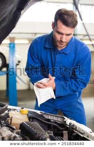 Jóvenes masculina mecánico mano Foto stock © wavebreak_media